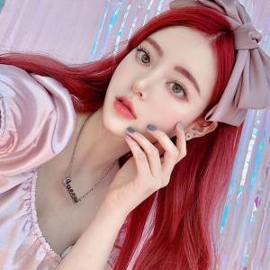 女生红色的头发颜色发型图片